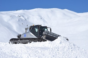 Spectacular construction of the FIS Snowboard Cross World Cup course in Baqueira Beret